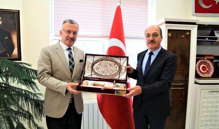 Rektörümüzden  Prof. Dr. Halil İbrahim Zeybek'e Ziyaret