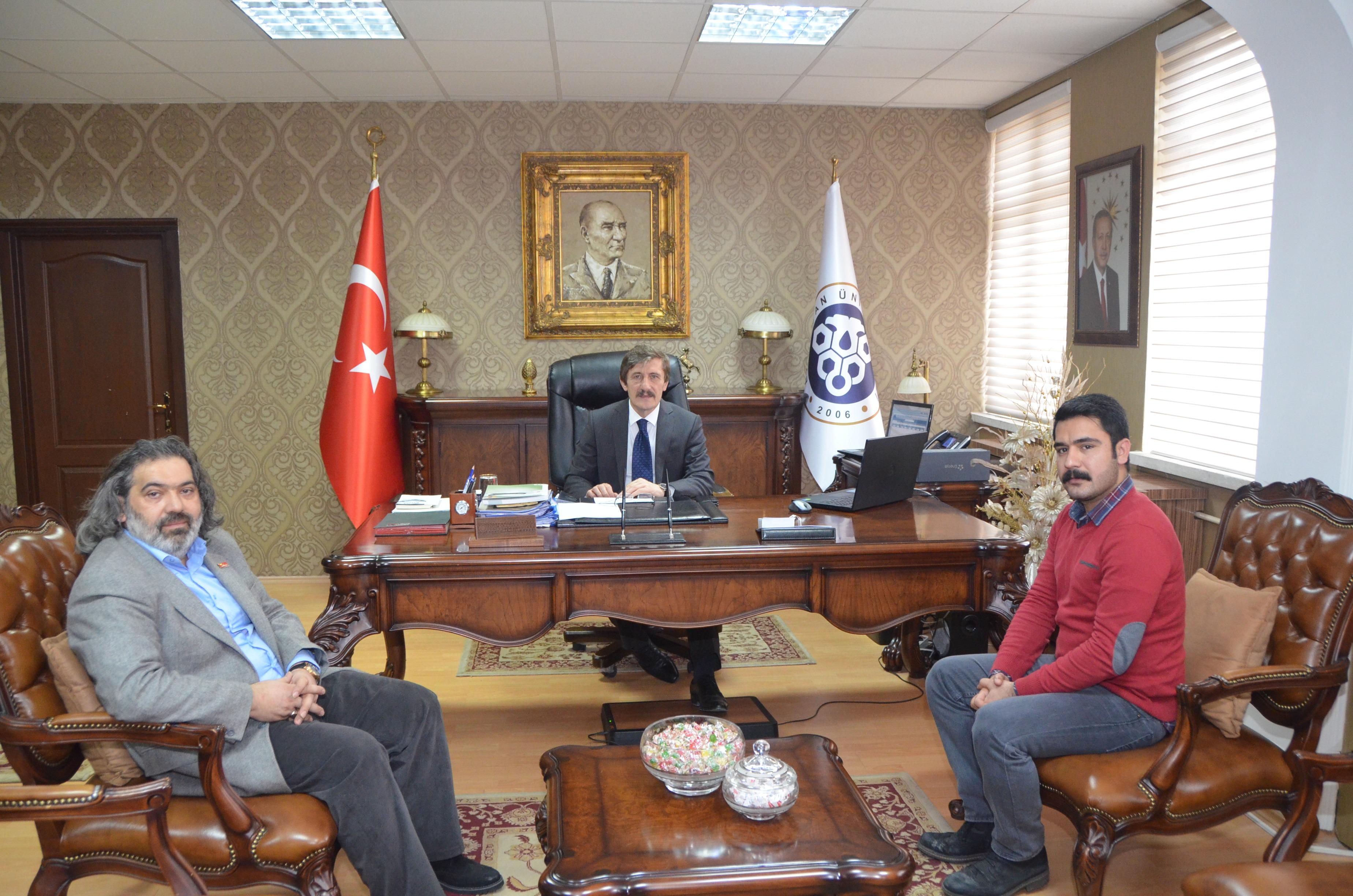 Rektörümüz Türkiye 1.'si Olan Öğrencimizi Kabul Etti