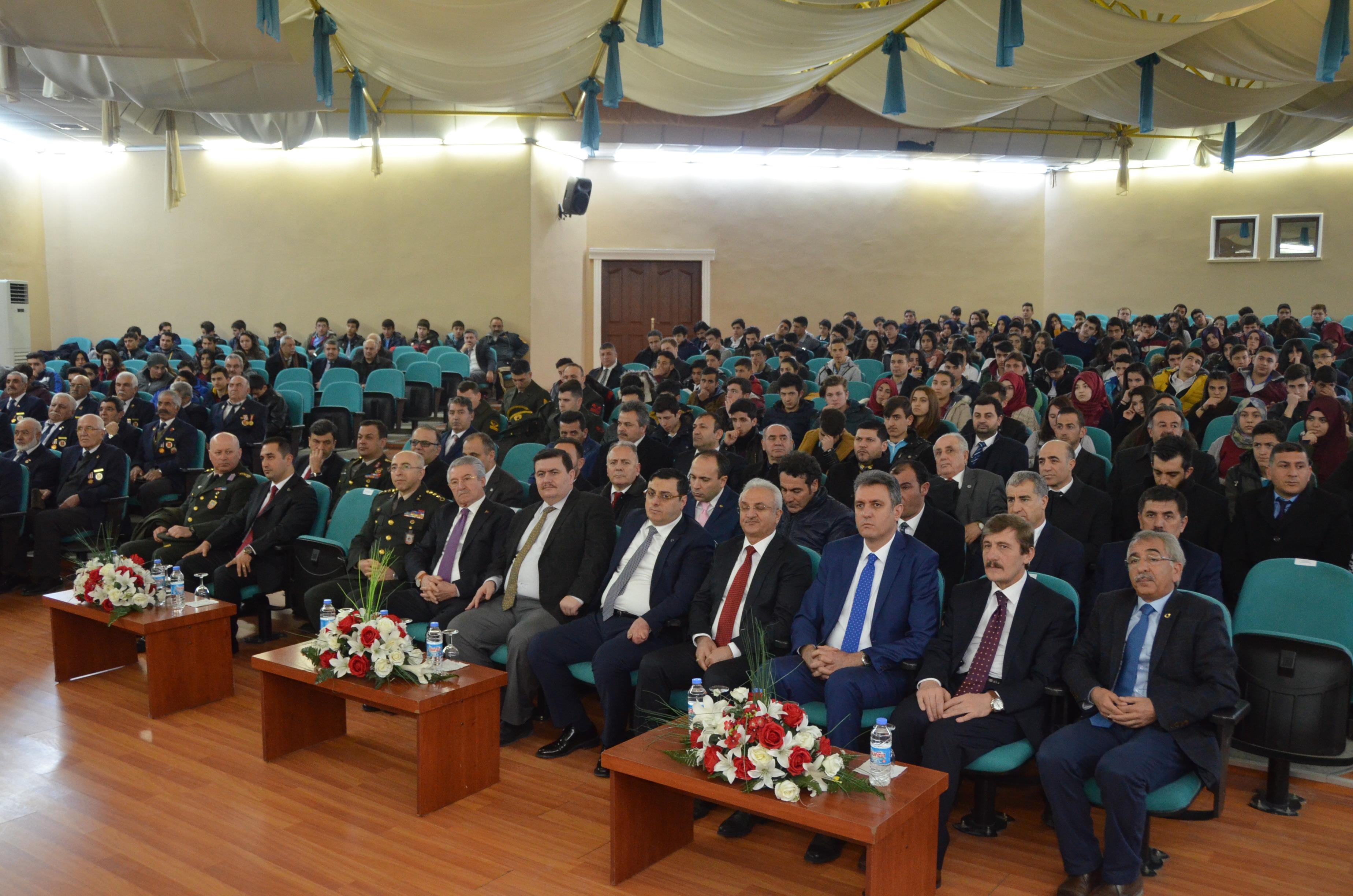 """Rektörümüz """"İşgal ve Mezalim Yıllarından Sonra Erzincan'ın Kurtuluşu"""" Konferansına Katıldı"""