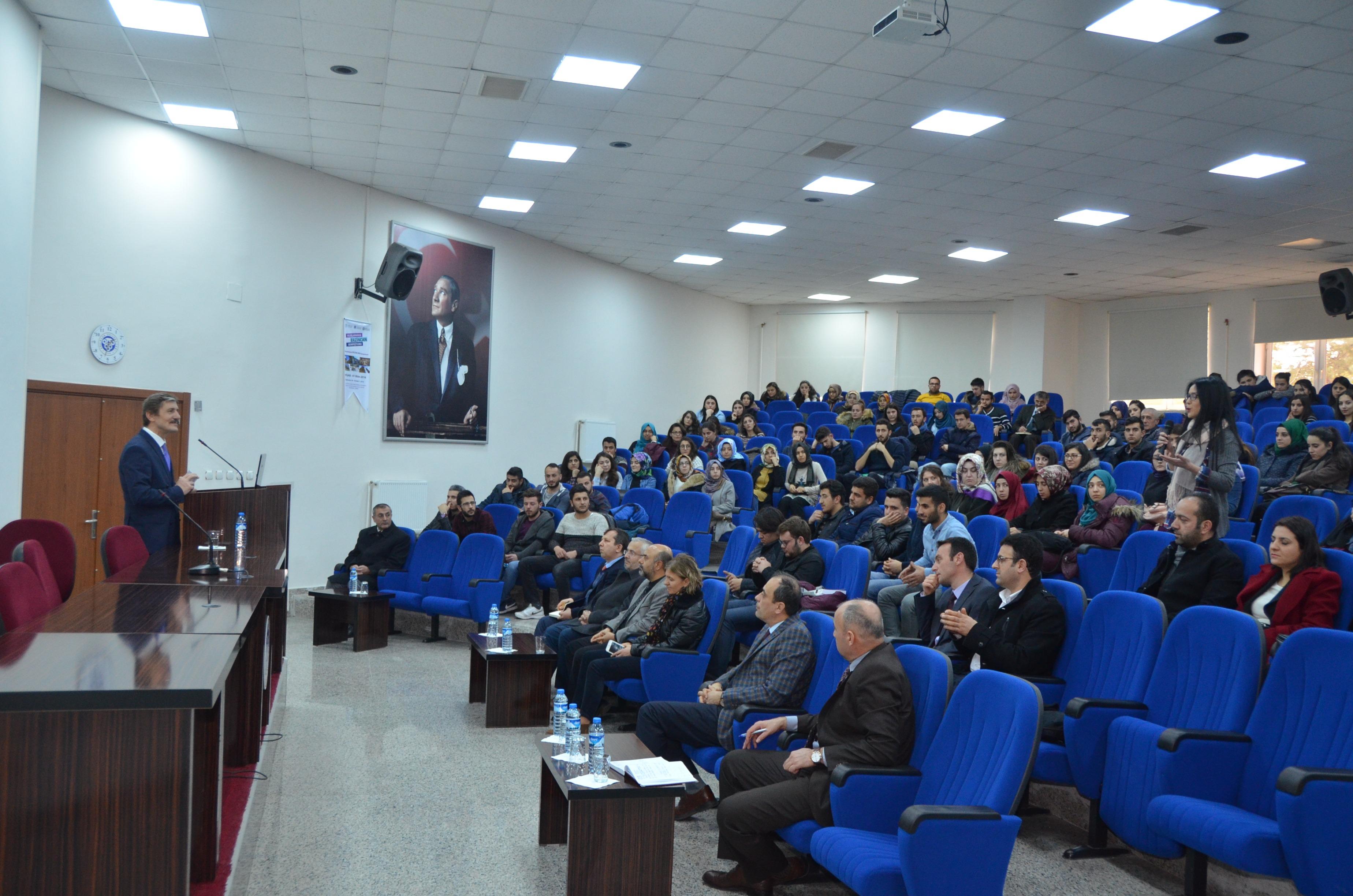 Rektörümüz Prof. Dr. İlyas Çapoğlu Öğrencilerle Bir Araya Geldi