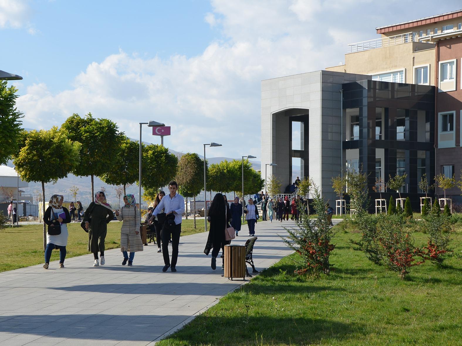 Üniversitemize Güzel Sanatlar Fakültesi Açıldı