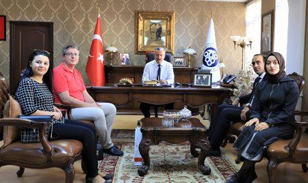 Erzincan Kızılay Kan Bağış  Merkezinden Rektörümüze Ziyaret