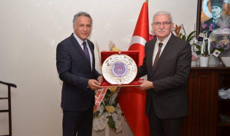 Rektör Vekilimiz Prof. Dr. Ekinci'ye TÜM-İŞ Konfederasyonundan Ziyaret