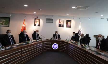 Rektörümüz Prof. Dr.  Akın Levent,  Erzincan Valisi Sayın Mehmet Makas'a Üniversitemiz Hakkında Brifing Verdi
