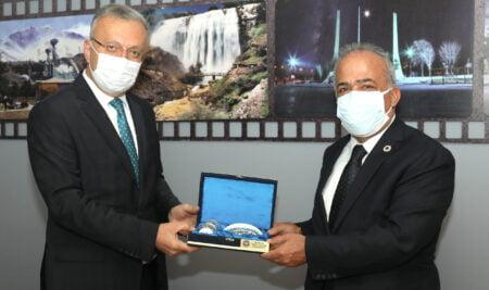 Rektörmüz Prof. Dr. Akın Levent'ten Prof. Dr. Ömer Çomaklı'ya Ziyaret
